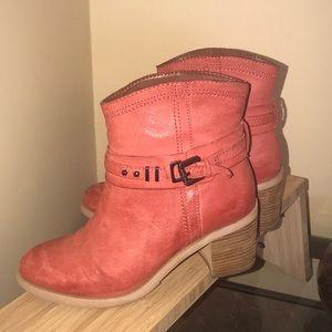 Boutique 9 Women's Pink Clarnella Ankle Bootie, 6